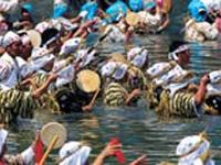 塩屋湾の海神祭 大宜味村